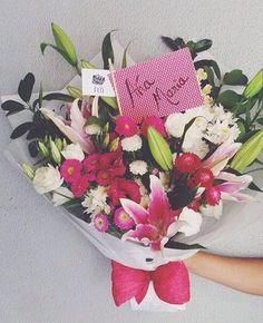 Buque de flores com Mix de Flores e lírios em Brasilia, Flores em Brasilia - @PollenFlores - www.PollenFlores.com.br