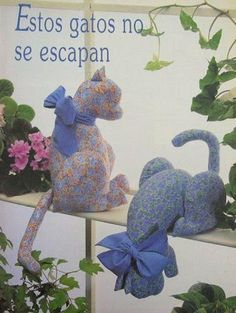 Pets, Home & Garden: Ideal toys for small cats Sewing Toys, Sewing Crafts, Sewing Projects, Fabric Toys, Fabric Crafts, Chat Crochet, Ideal Toys, Fabric Animals, Cat Quilt