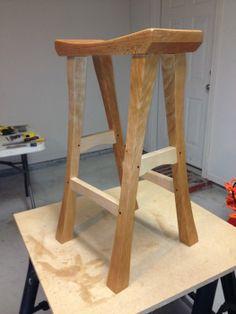 Batstool by Dusty Sonnier via Lumberjocks: http://lumberjocks.com/projects/68613