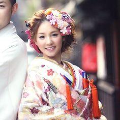 . . naru さん @763_mariage さんの後撮り写真を . もらいましたの〜♡ . . 結婚式が終わってからも . 撮るって素敵☺️ . . サイドからみたスタイリングはまたお楽しみに♡ . .  #結婚式#美容師#髪型#ブライダル#ヘアアレンジ#ヘアアクセ#ヘアセット#プレ花嫁#セット#結婚#ハンドメイド#花嫁#編み込み#イヤリング#結婚式準備#前撮り#美容室#ヘアメイク#ウェディング#ヘアスタイル#アレンジ#写真#ブーケ#love#ig_japan#hairstyles#bridal#weddinghair#bridalhair#hairarrange