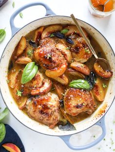 This amazing summertime one pot chicken is made with fresh peaches and basil and takes no time at all. The sweet and savory combination is perfect for a quick weeknight meal; the sauce is amazing for dipping and the chicken is flavorful as can be. I howsw Peach Chicken, One Pot Chicken, Basil Chicken, Summer Chicken, Perfect Chicken, Roasted Chicken, Cooking Recipes, Healthy Recipes, Skillet Recipes