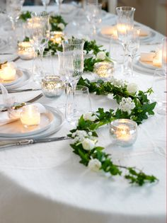 40 wedding table decoration ideas - wedding table decoration same as .- 40 Hochzeit Tischdekoration Ideen – Hochzeit Tischdeko selber machen Wedding table decorate with ivy and candles - Simple Wedding Table Decorations, Wedding Reception Decorations, Wedding Centerpieces, Table Wedding, Reception Gown, Deco Table Champetre, Table Verte, Deco Floral, Table Arrangements
