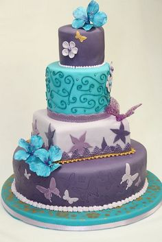 Purple and teal butterfly cake. Love the color choice. Wish I would have seen this BEFORE I made my daughter's birthday cake. Fancy Cakes, Cute Cakes, Pretty Cakes, Yummy Cakes, Gorgeous Cakes, Amazing Cakes, Butterfly Cakes, Butterfly Birthday, Butterfly Wedding