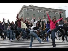 Nena and the Superyeahs - Jungle Drum - Official Video (Flash Mob) - YouTube