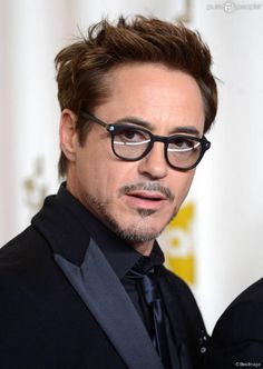 The handsome Robert Downey Jr at the Oscars.