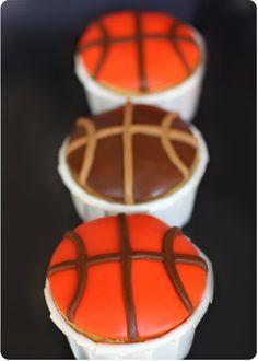 Basketball Cupcakes Cookies Cupcake, Love Cupcakes, Love Cake, Basketball Cupcakes, Dessert Original, Eat Cake, Food Catalogue, Birthday Ideas, Waffles