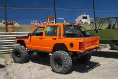 cherokee truck mod hmm reminds me of brodys lol Jeep Zj, Jeep Xj Mods, Truck Mods, Jeep Cherokee Xj, Cherokee Sport, Camo Truck, Jeep Truck, Cool Jeeps, Cool Trucks
