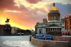 Saint Petersburg, city of white nights.