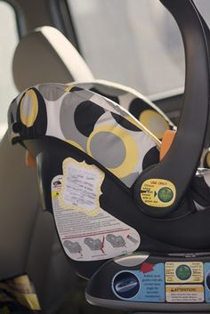 Emergency Contact Car Seat Printables in case you're in an accident and unresponsive - great idea!!