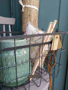#mercadoloftstore #mls #umseisum #porto #cesto #basket #vaso #vase #ceramic #ruler #régua #detail #tapete #chair #cadeira #pillow #almofada #pattern #montra #new #product #decor #house #home #interior #mood #lifestyle
