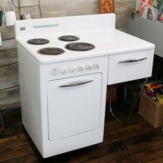40 オフ アメリカ製電気コンロ プラグ交換すれば日本で使用可能です 完璧なトータルデザインを目指したいお洒落さんにはお勧めです 電気 コンロ コンロ グリル キッチン リフォーム アメリカ製 ヴィンテージ レトロ 50s Home Appliances Kitchen Appliances Kitchen