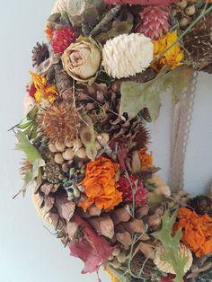 Wreaths, Fall, Home Decor, Crown Cake, Autumn, Door Wreaths, Room Decor, Home Interior Design, Floral Arrangements