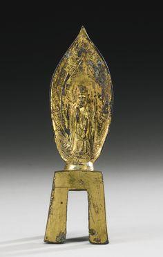 北齊武平元年(570年) 銅鎏金持蓮觀音立像