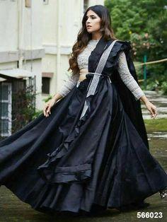 New black bridal lengha blouse designs Ideas Garba Dress, Navratri Dress, Lehnga Dress, Gown Dress, Indian Bridal Outfits, Indian Designer Outfits, Designer Dresses, Designer Wear, Sabyasachi Lehenga Bridal