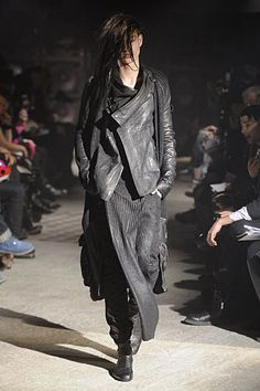 valar-morghulis: Tatsuro Horikawa Fall 2010 Sorry for this post but the clothes are just marvelous.