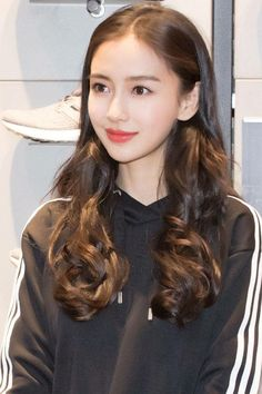 Posted by Sifu Derek Frearson Beautiful Gorgeous, Beautiful Asian Girls, Beautiful People, Cool Girl Pictures, Girl Photos, Fresh Face Makeup, Prity Girl, Angelababy, Bride Hairstyles
