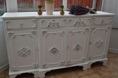 BEAUTIFUL LARGE SOLID PINE WOOD  SIDEBOARD SHABBY CHIC LAURA ASHLEY