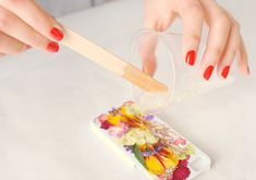 How To Make a Beautiful iPhone Case Using Real Pressed Flowers Etsy | Apartment Therapy