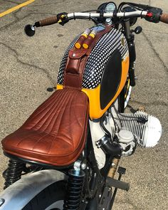 COHIBA sigaar BMW Bobber Fiets # boxer # beemer Vintage # Rseries Source by hpfobe Bobber Bmw, Bmw R100 Scrambler, Cafe Racer Motorcycle, Cool Motorcycles, Motorcycle Design, Bike Design, Vintage Motorcycles, Bmw Classic Cars, Classic Bikes