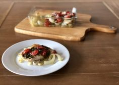 Kip pesto uit de oven – Judoka Margriet Bergstra Pesto, Waffles, Breakfast, Food, Red Peppers, Tomatoes, Morning Coffee, Eten, Waffle