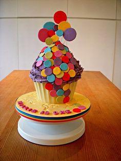 Balloons Giant Cupcake