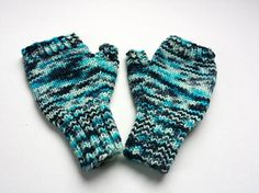 Unique Fingerless Gloves for Kids 4T 6T von frostpfoetchen auf Etsy