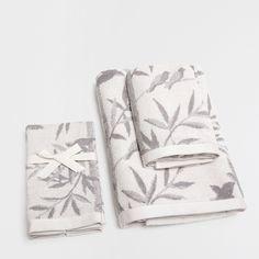 COTTON TOWELS WITH JACQUARD PLANTS DESIGN