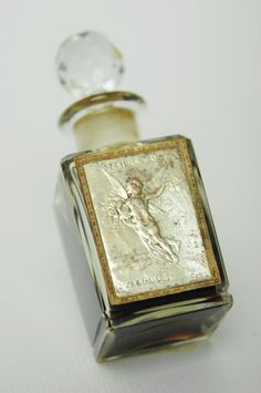 """""""Fleurs d'amour"""" by Roger et Gallet Baccarat (crystal) 1910-1920"""