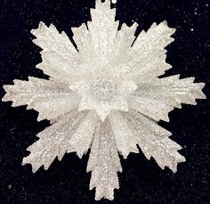 Cheap christmas glass painting, Buy Quality glass whiteboard directly from China glass ball christmas Suppliers: Clear Glass Snowflake Christmas Ornaments 8 pcs 5 Cheap Christmas, Christmas Ornaments To Make, Easy Christmas Crafts, Christmas Scenes, Christmas Decorations, Paper Flower Backdrop Wedding, Clear Ornaments, Globe Ornament, Large Paper Flowers