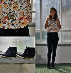 Floral top and Bata shoes featured by Julia from Switzerland #batastreet #batashoes