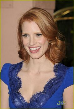 Jessica Chastain - I have the same color, now I want the style, too.