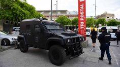 Kogelvrije vesten en geweer in de aanslag, Lille staat op scherp - EK voetbal 2016 - Frankrijk | NOS
