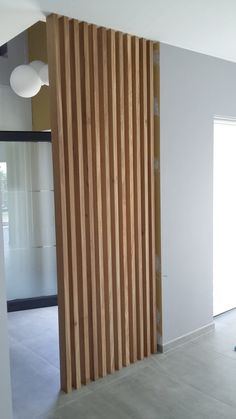 23 Creative and Cool Room Dividers. Living Room Partition Design, Room Partition Designs, Küchen Design, House Design, Home Entrance Decor, Home Decor, Wooden Partitions, Wood Room Divider, Sala Grande
