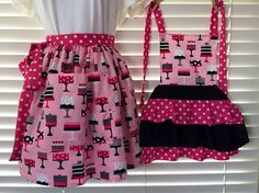 Mommy and me apron set / grandma and me aprons / auntie and me apron gift sets / birthday gift / cake apron