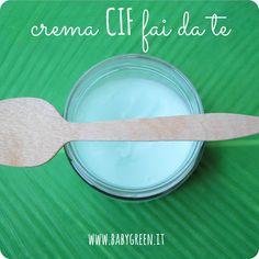 Condividi Twitta Pin E-mail Oggi una ricetta di pulizia molto semplice ed ecologica, ma soprattutto efficace: la crema tipo CIF fatta in casa L'ho ...