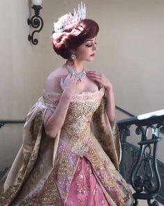 Not sure if Ariel or Anastasia? Anastasia Cosplay, Anastasia Movie, Princess Anastasia, Anastasia Musical, Cosplay Anime, Disney Cosplay, Cool Costumes, Cosplay Costumes, Halloween Costumes