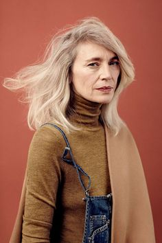 Editorial Milk Dame Edgy by Delphine Chanet Looks Style, Looks Cool, Trendy Mood, Mode Lookbook, Belle Silhouette, Inspiration Mode, Character Inspiration, Advanced Style, Aging Gracefully