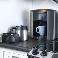 Enjoy barista-quality coffee in your home with a new coffee maker. Shop from top coffee maker brands like Keurig, Bunn, and Mr. Coffee And Espresso Maker, Best Coffee Maker, Drip Coffee Maker, Coffee Machine, Espresso Machine, Hot Coffee, Coffee Shop, Coffee Lovers, Coffee Pot Cleaning