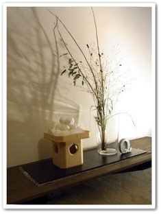 十五夜 お団子 お月見 Japanese Lamps, Japanese Pottery, Hina Dolls, Japanese Festival, Tablewares, Japanese Culture, Japanese Style, Ikebana, Floating Nightstand