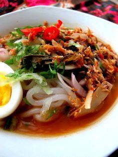 frozen wings: Laksa Kedah Nyonya Food, Chicken Ham, Beef Bacon, Indonesian Cuisine, Bacon Breakfast, Asian Recipes, Ethnic Recipes, Laksa, Asian Noodles