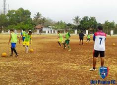 Uni Papua FC SoE  Materi Football 3  with GM Uni Papua FC Alma Costa  #UniPapuaFootball #UniPapuaFc