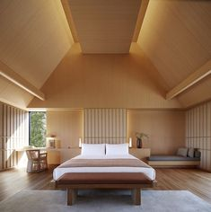 Amanemu hotel in Ise Shima National Park on the Kii Peninsula by Kerry Hill Architects - cathedral ceiling treatment Japan Bedroom, Kerry Hill Architects, Casa Milano, Design Japonais, Japanese Interior, Japan Design Interior, Japanese House, Ceiling Design, Interior Architecture
