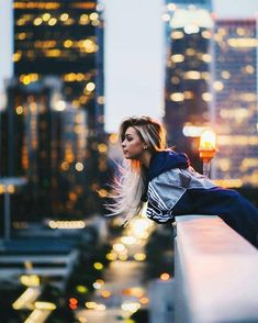 Perfect Girl Photography Poses Ideas Looks So Amaze - Wedding Inspire Bokeh Photography, Portrait Photography Poses, Tumblr Photography, Urban Photography, Photo Poses, Creative Photography, Street Photography, Photography Ideas, Photography Classes