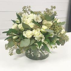 Happy Monday! #evanandcompany #flowers #freshflowers #floraldesigner #hortonwholesale #sympathy