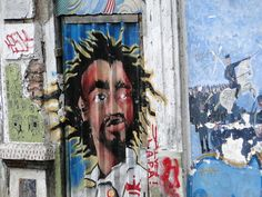 """Dos muros aos museus. O grafite, uma das principais referências da cultura hip-hop, embora ainda marginalizada, vem ganhando cada vez mais espaço. Prova disso, é a terceira """"Batalha de Ideias"""", evento que acontece na próxima quarta-feira, dia 24, às 15h, na Fábrica de Cultura Capão Redondo, na zona sul da capital. Por lá, os artistas...<br /><a class=""""more-link"""" href=""""https://catracalivre.com.br/sp/agenda/gratis/grafite-e-tema-de-debate-no-capao-redondo/"""">Continue lendo »</a>"""