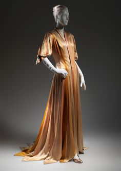 Charles James ribbon dressing gown, 1938-40