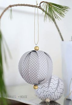 Wonderful DIY Christmas tree decorations made of paper- Wundervolle DIY Weihnachtsbaum-Schmuck Ideen aus Papier DIY Christmas tree decorations made of paper, DIY Christmas decorations, Christmas paper balls - Homemade Christmas Decorations, Christmas Ornaments To Make, Noel Christmas, Handmade Christmas, Christmas Crafts, Holiday Decorations, Christmas Ideas, Simple Christmas, Christmas Decor Diy Cheap