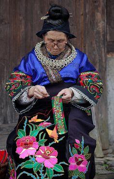 Langde Village : Long Skirt Miao, portraits #32