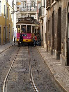 Lisboa, Portugal - R. das Escolas Gerais by jaime.silva, via Flickr