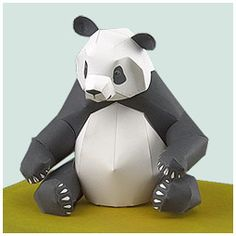 Papercraft printable and buildable of a giant Panda. Crafts to Raudales. Paper Crafts Origami, Diy Paper, Paper Crafting, Fun Crafts For Teens, Panda Craft, 3d Templates, Panda Love, Paper Animals, Paper Models